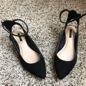 FOREVER 21 Black Suede Pointed Toe Flats